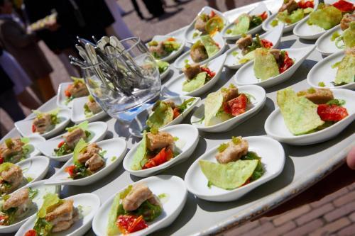 mi-cuit-tonijn-wasabichips-wasabieitjes-plateau