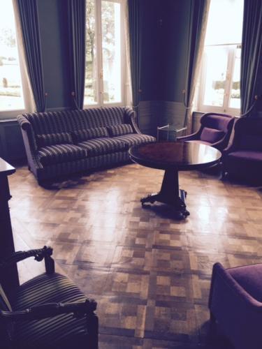 feestlocatie-kasteel-saffelberg-salon-zitruimte